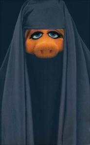 miss-piggy-burka